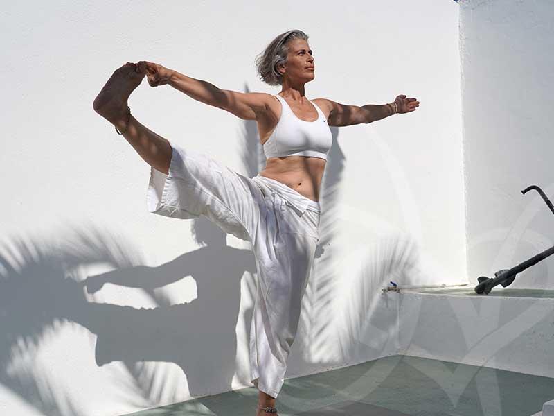 santorini2018 pose2 - 7 days Yoga in Santorin Greece - A YogaYamas vacation